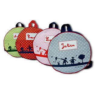 le sac dos personnalis pour enfant le cadeau unique pour entrer l 39 cole. Black Bedroom Furniture Sets. Home Design Ideas