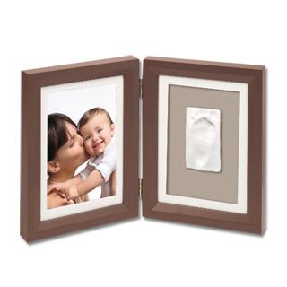 cadre empreinte de b b offrir pour une naissance. Black Bedroom Furniture Sets. Home Design Ideas