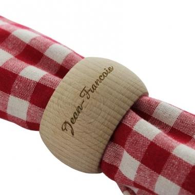 Rond de serviette en bois gravé