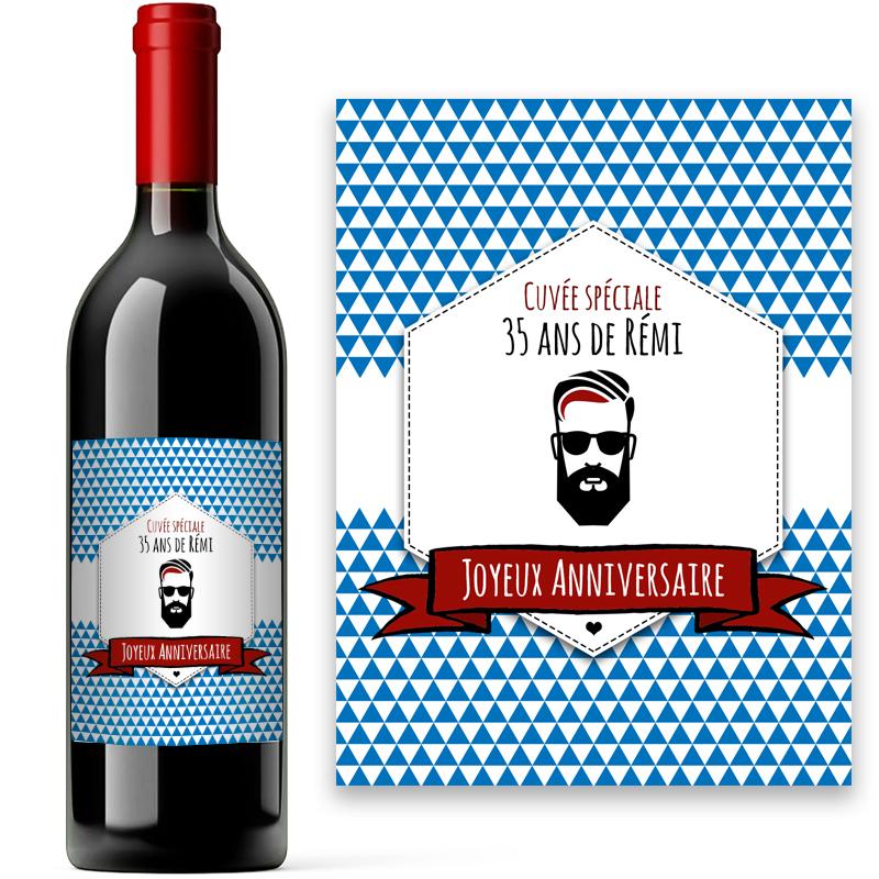 bouteille de vin de bordeaux ou saint amour avec  u00e9tiquette vintage