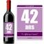 Bouteille de vin avec étiquette anniversaire viole