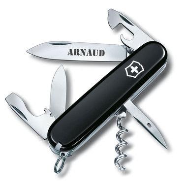 Couteau suisse de poche noir gravé