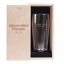Verre à bière grand-père heureux